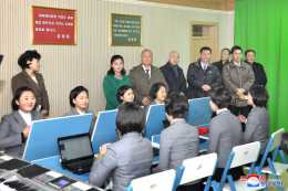 Congratulatory Group of Koreans in Japan Visits Different Places of Pyongyang